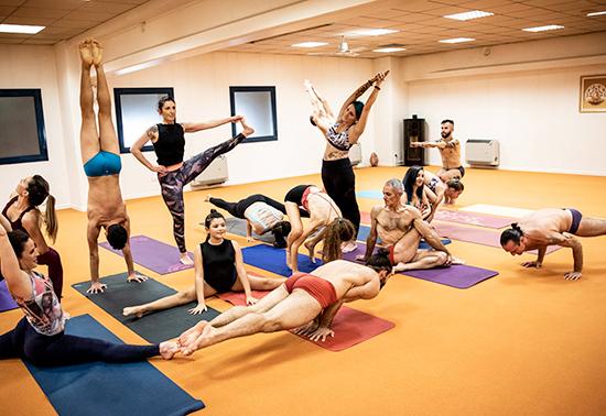 7 giorni gratuiti di abbonamento a Yogah Live in occasione dell'International Yoga Day